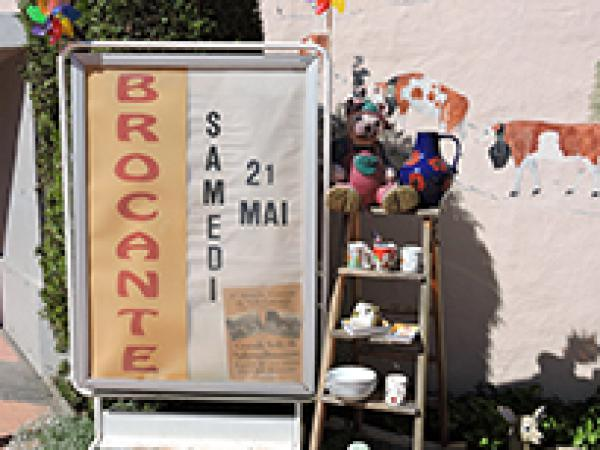 Brocante Flickr Keepps 850Px 26542109084 Abfdd1D12E O