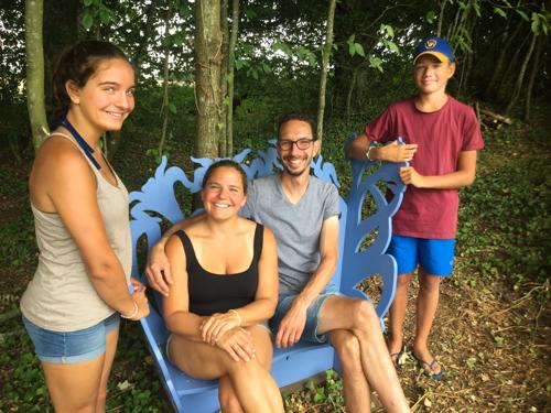 Zosia, Jan en de kinderen op het #blauwebankje